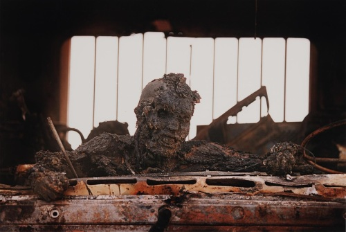 In the 1991 Gulf War, American pilots bombed a retreating Iraqi convoy. Most US media declined to publish this photo.